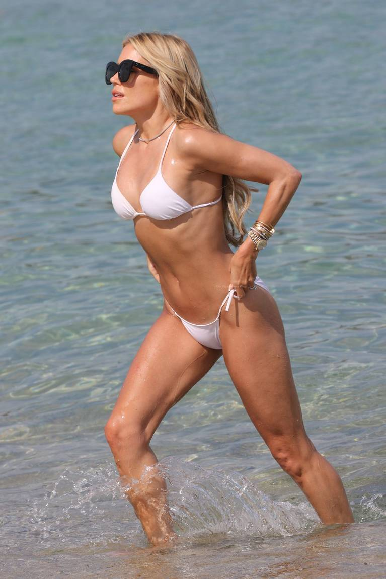 Sylvie Meis on Beach 25