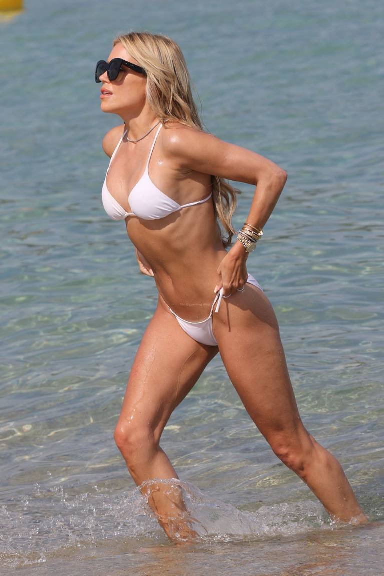 Sylvie Meis on Beach 26