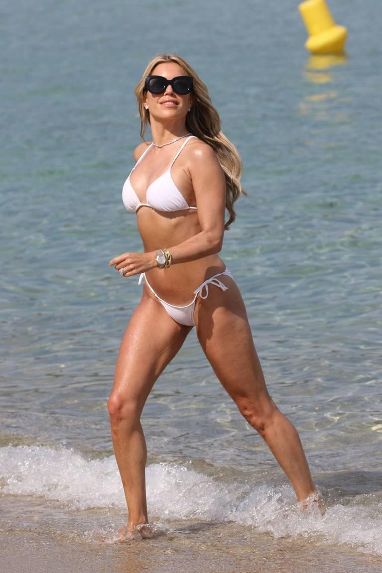 Sylvie Meis on Beach 28