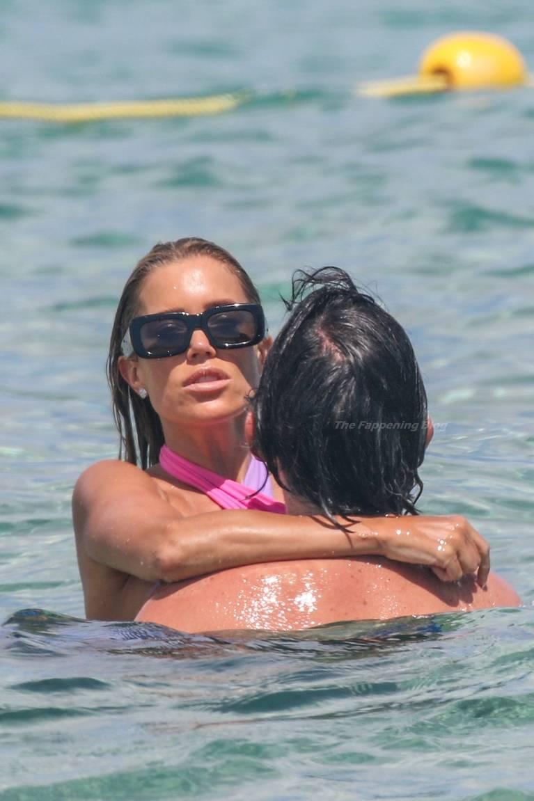 Sylvie Meis on Beach 21
