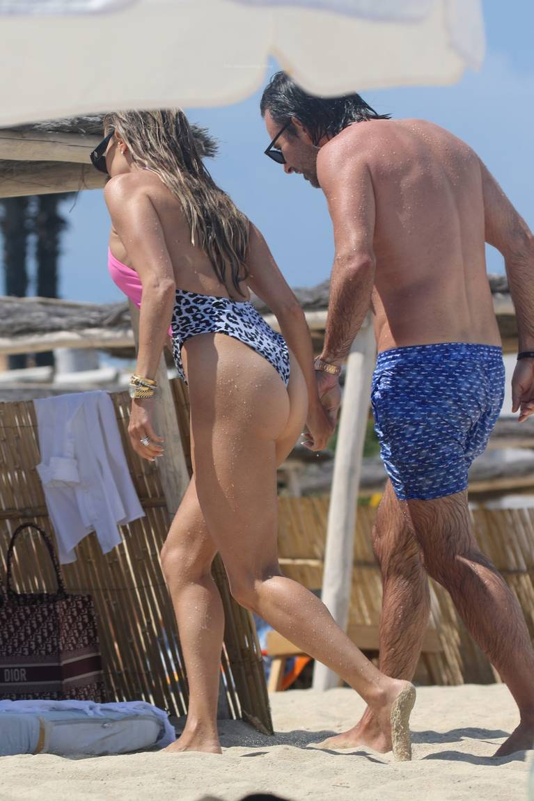 Sylvie Meis on Beach 66
