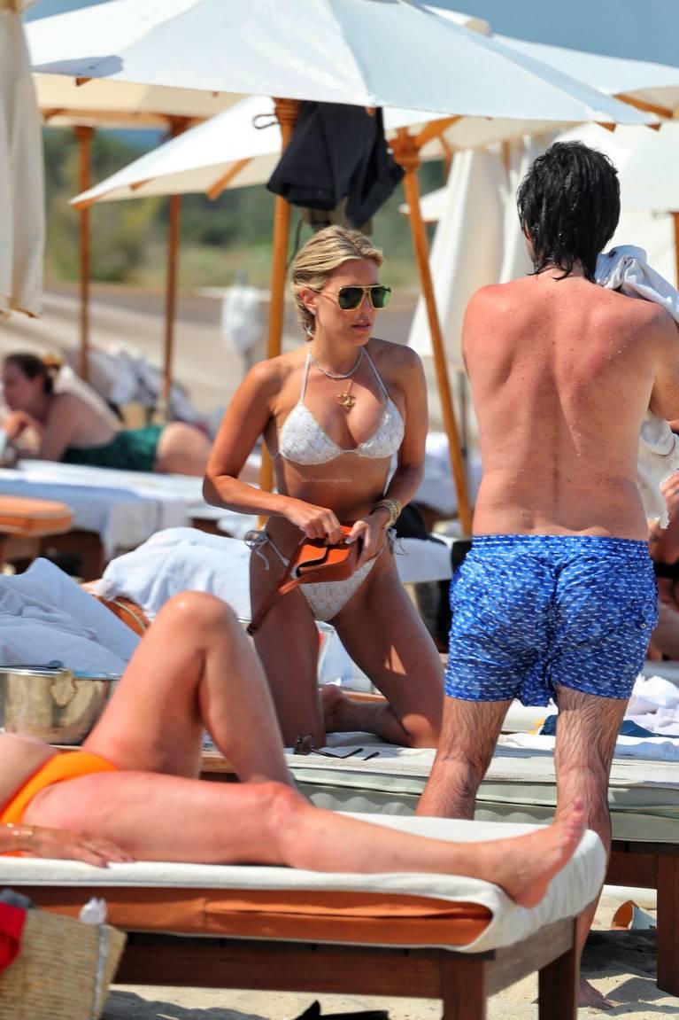 Sylvie Meis on Beach 5