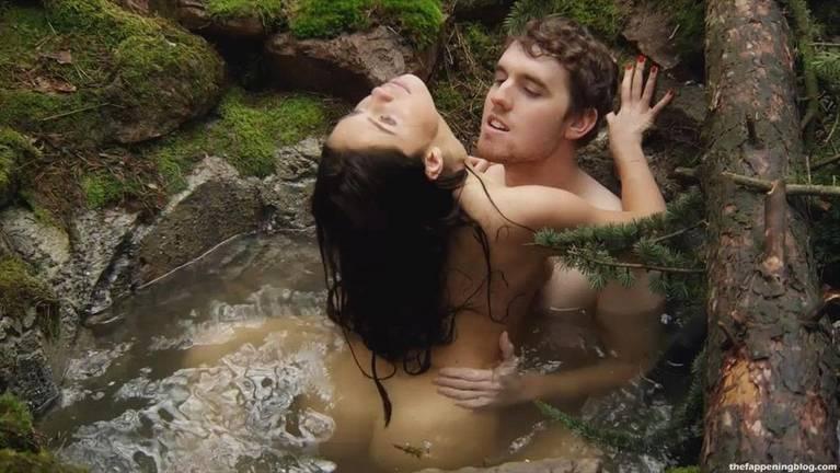 Talitha Luke-Eardley Nude Sexy Topless 17